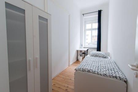 Privatzimmer zur Miete von 26 May 2020 (Detmolder Straße, Berlin)