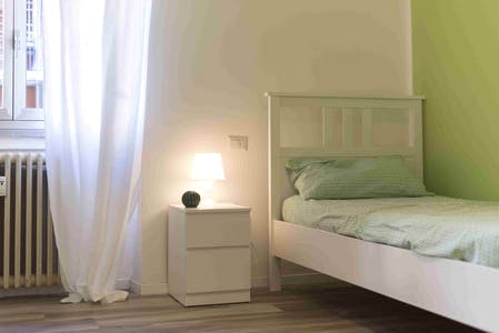 Shared room for rent from 17 Aug 2019 (Via San Francesco d'Assisi, Sesto San Giovanni)