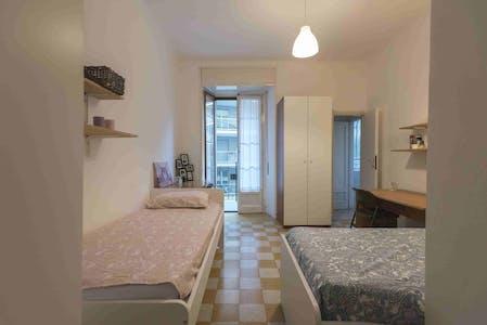 Habitación compartida de alquiler desde 15 Mar 2020 (Piazzale Susa, Milan)