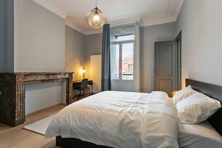 Private room for rent from 01 Dec 2019 (Chaussée de Charleroi, Saint-Gilles)