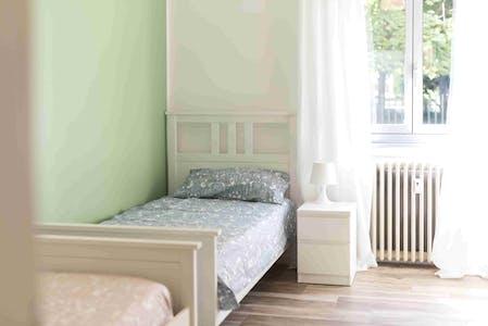 Geteiltes Zimmer zur Miete von 17 Juli 2019 (Via San Francesco d'Assisi, Sesto San Giovanni)