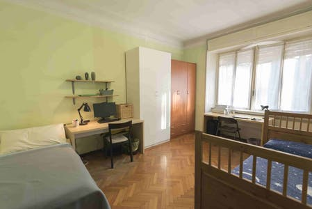 Shared room for rent from 01 Aug 2019 (Piazzale Susa, Milan)