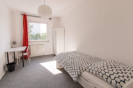 WG-Zimmer zur Miete ab 01 Jan. 2021 (Rhinstraße, Berlin)