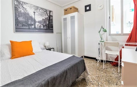 Private room for rent from 24 Mar 2019 (Carrer de l'Om, Valencia)