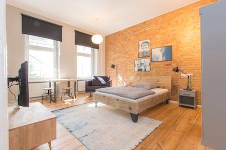 Appartement te huur vanaf 01 Aug 2020 (Danneckerstraße, Berlin)