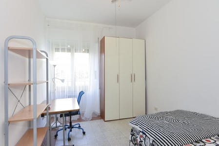 Private room for rent from 21 Jan 2019 (Viale dello Scalo San Lorenzo, Rome)
