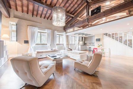 Appartement à partir du 19 Aug 2019 (Via di Mezzo, Florence)