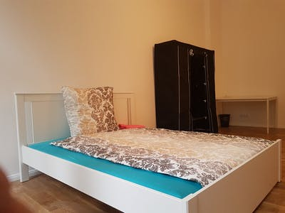 Private room for rent from 02 Aug 2020 (Stuttgarter Straße, Berlin)