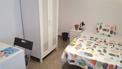 Private room for rent from 18 Jan 2019 (Carrer de Sicília, Barcelona)