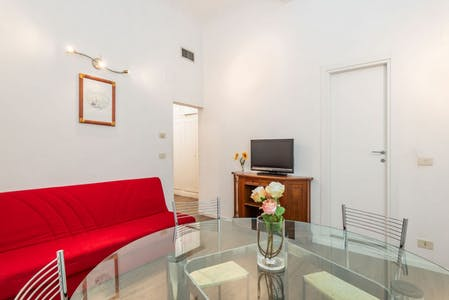 Appartement te huur vanaf 23 May 2020 (Via dei Leoni, Florence)