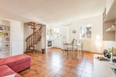 整套公寓租从31 5月 2019 (Via di Camaldoli, Florence)