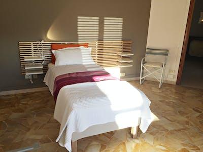 Privatzimmer zur Miete von 19 Juni 2020 (Via Benedetto Marcello, Florence)