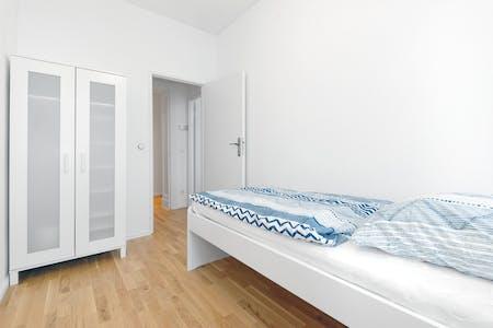 单人间租从01 Jan 2020 (Damerowstraße, Berlin)