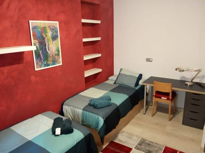Shared room for rent from 23 Dec 2019 (Calle Juan de Zoyas, Sevilla)