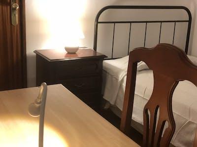 Private room for rent from 19 Sep 2019 (Rua Henrique Pousão, Évora)