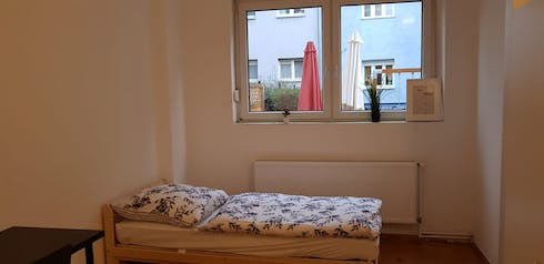 Private room for rent from 16 Apr 2020 (Emdenzeile, Berlin)