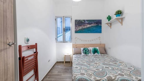 Private room for rent from 02 Jun 2019 (Calle Remonta, Valencia)