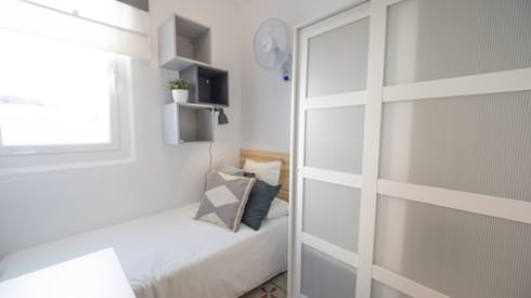 Privé kamer te huur vanaf 19 Aug 2019 (Carrer Gran de Gràcia, Barcelona)
