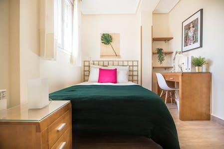 Privé kamer te huur vanaf 21 aug. 2019 (Paseo de Santa María de la Cabeza, Lavapiés)