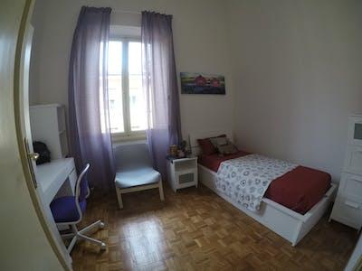 Privatzimmer zur Miete von 01 Apr. 2020 (Via Montebello, Florence)