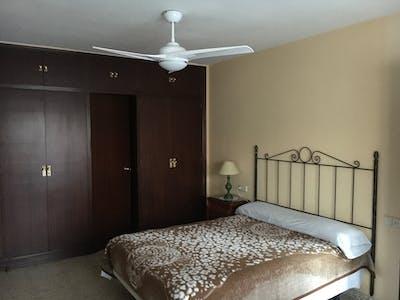 Private room for rent from 01 Jul 2019 (Plaza de Ronda, Málaga)