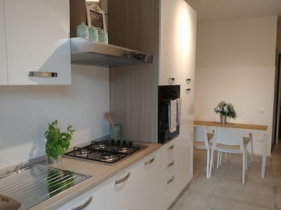 Shared room for rent from 31 May 2019 (Via Luigi Pellizzo, Padova)