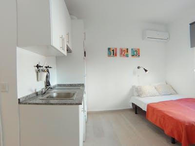 Apartment for rent from 01 Jul 2020 (Calle Rodrigo Uhagón, Madrid)