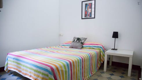 Private room for rent from 01 Feb 2020 (Carrer d'Aragó, Barcelona)