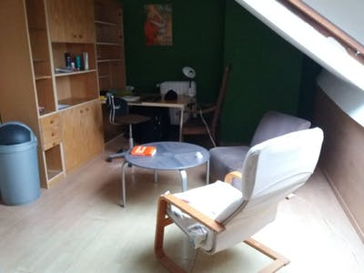 Studio for rent from 01 Jul 2020 (Avenue Saint-Augustin, Forest)