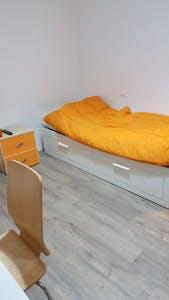 单人间租从15 Sep 2020 (Via Zurigo, Milan)