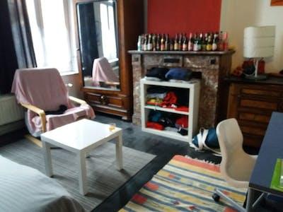Wohnung zur Miete ab 01 Juni 2020 (Avenue Saint-Augustin, Forest)