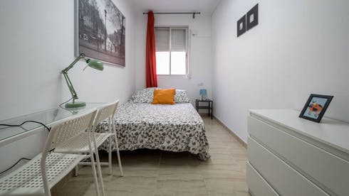 Private room for rent from 31 May 2019 (Carrer Alboraia, Valencia)
