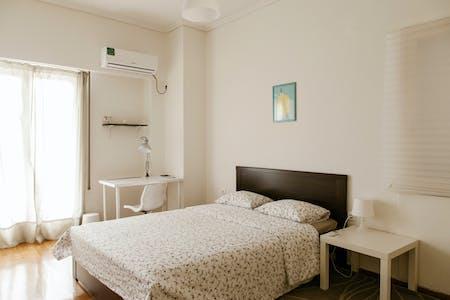 Quarto privativos para alugar desde 30 Jun 2020 (Marni, Athens)