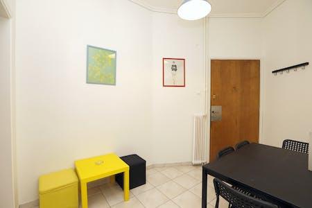 Apartamento para alugar desde 01 abr 2019 (Marni, Athens)
