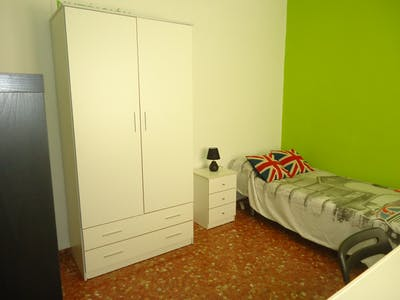 Private room for rent from 31 Jan 2020 (Calle Alcalde Sanz Noguer, Córdoba)