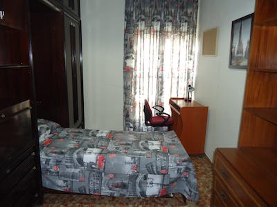 Private room for rent from 01 Feb 2020 (Calle Alcalde Sanz Noguer, Córdoba)