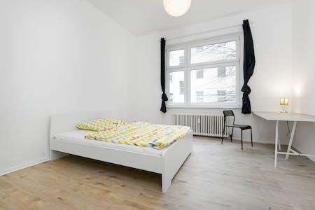 WG-Zimmer zur Miete ab 01 Jan. 2021 (Lübbener Straße, Berlin)