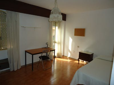 WG-Zimmer zur Miete ab 30 Juni 2020 (Calle Conde de Torres Cabrera, Córdoba)