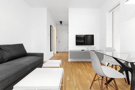 整套公寓租从19 Jul 2019 (Charlottenstraße, Berlin)