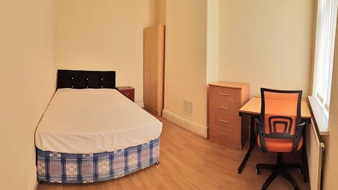 Private room for rent from 10 Apr 2020 (Rusholme Place, Manchester)