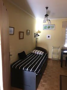 Private room for rent from 01 Jul 2020 (Rua dos Três Vales, Almada)