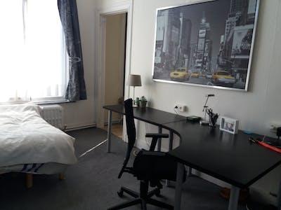 WG-Zimmer zur Miete ab 15 Dez. 2020 (Avenue Saint-Augustin, Forest)
