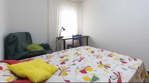 Quarto privado para alugar desde 21 Apr 2020 (Calle Hacienda de Pavones, Madrid)