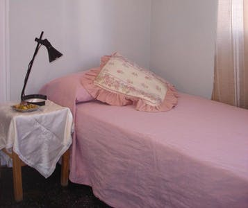 Private room for rent from 01 Oct 2020 (Calle de Guzmán el Bueno, Madrid)