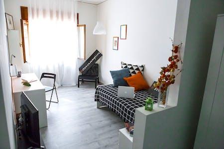 Privé kamer te huur vanaf 13 Dec 2019 (Piazza Isolo, Verona)