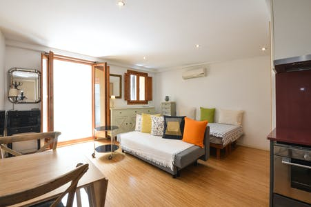 Apartment for rent from 01 Oct 2019 (Carrer de les Cabres, Barcelona)