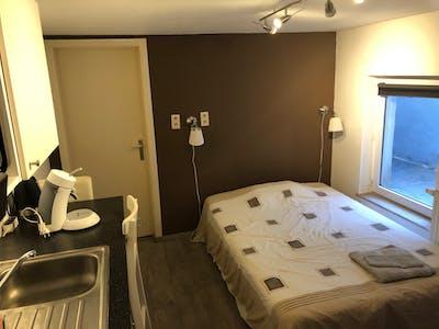 Wohnung zur Miete ab 01 Aug. 2020 (Rue Lens, Ixelles)