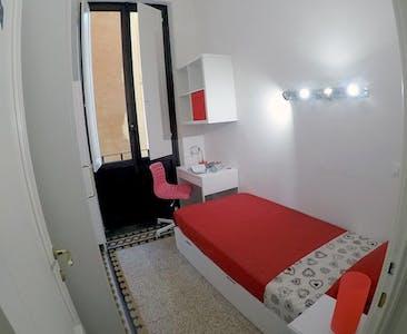 WG-Zimmer zur Miete ab 01 Juni 2020 (Via Zara, Florence)
