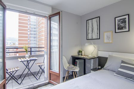 Private room for rent from 15 Sep 2019 (Santutxu kalea, Bilbao)