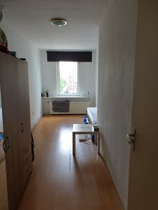 Private room for rent from 01 Aug 2020 (Crooswijkseweg, Rotterdam)